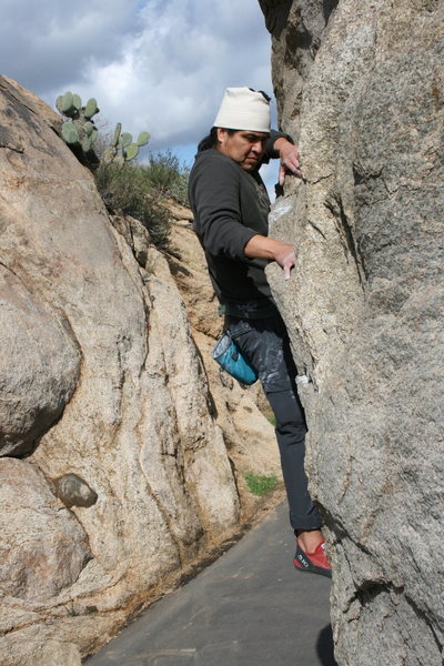 Rock Climbing Photo: Albert on the north end roadside boulders. 2-7-10