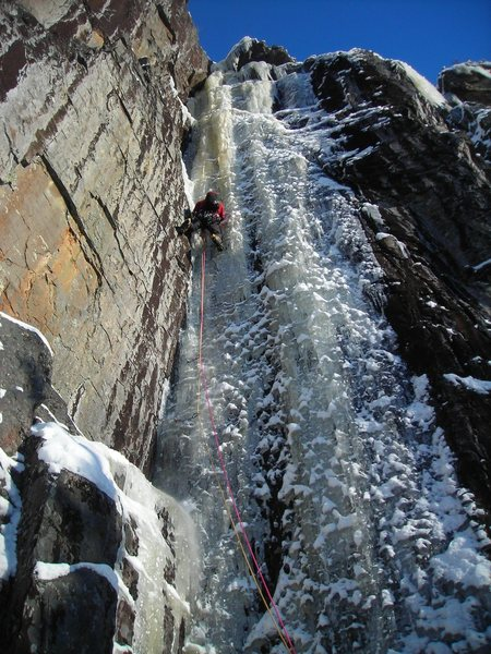 Rock Climbing Photo: Dave Rone leading Whimpsicle on Jan 31, 2010.  He ...