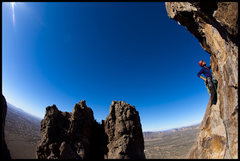 Rock Climbing Photo: Manny leads P3 of Grandfather Hobgoblin in the Sup...
