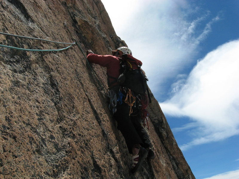 Juan leading the initial traverse on the second pitch of Del Frente