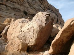 Rock Climbing Photo: Penguins Boulder, Joshua Tree NP