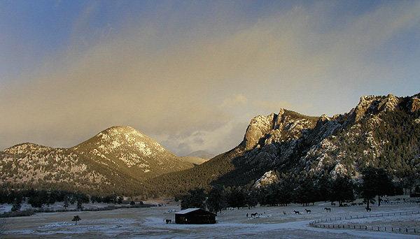 October snow at Lumpy Ridge.<br> Photo by Blitzo.