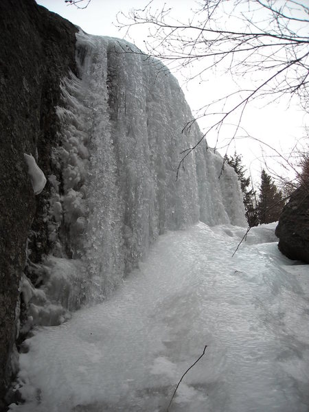 Ice and mixed line at lower left side of formation