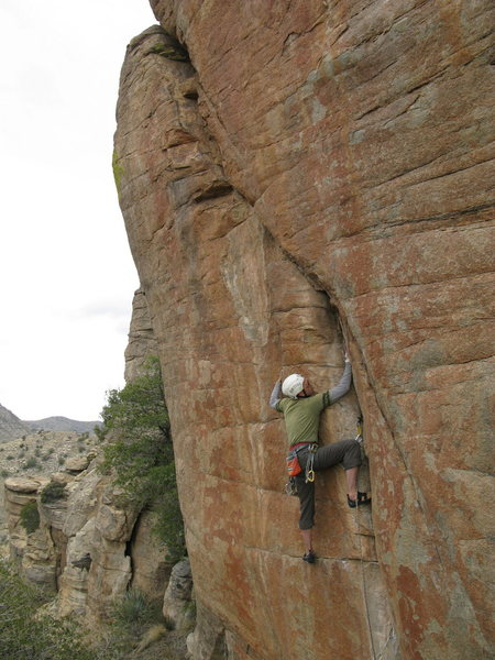 Rock Climbing Photo: Jesse crushing 'Red Dwarf' 5.12 trad