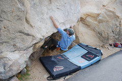 Rock Climbing Photo: The easier variation of the Beach Problem.