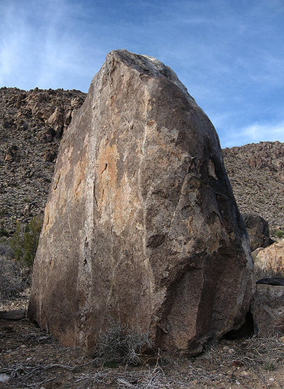 A cool Looking boulder.<br> Photo by Blitzo.