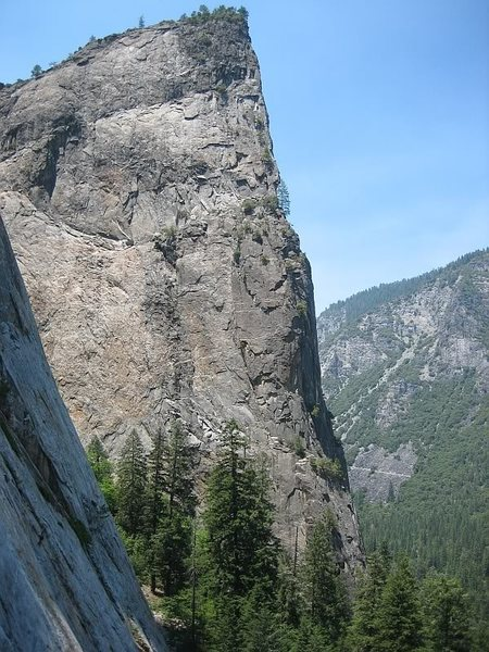 Here is photo of the East Buttress . Can someone who climb the route draw the line on the photo? My main interest is upper part of the route where is not clear from the Reid book where is route going : on arete/ left of arete/ or right of arete (unvisible on photo)?