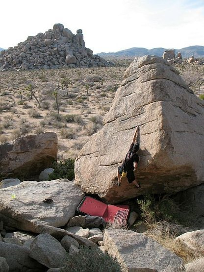 Rock Climbing Photo: Bouldering near Slashface, Joshua Tree NP