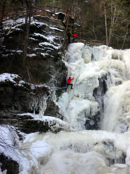 Rock Climbing Photo: Finishing up Dingmans falls (WI3+) is Ross Purnell...