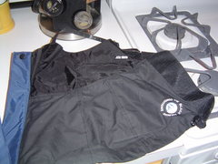 Rock Climbing Photo: Black Diamond goretex gaiters.  Older frontpoint m...