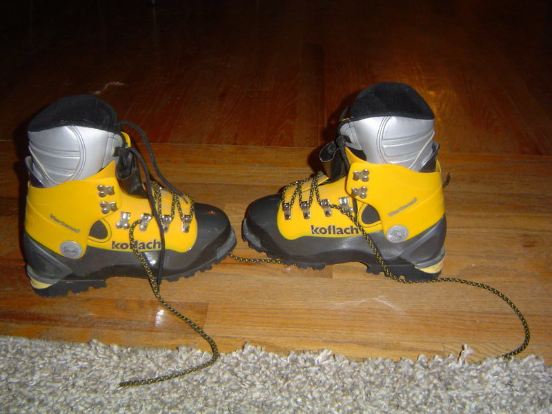 Koflach vertical boots with arctic liners.  Size US 6, EU 5.5.