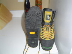 Detailed view of the sole of the Nepal Extremes.  These are barely used, in great shape.