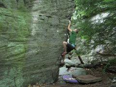 Rock Climbing Photo: Woodys arete  V3 roadside rocks