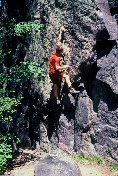 On a fine May day in 1985,... Eric Zschiesche sent the classic boulder problem. Sans pads( What took sooo long with that idea?).
