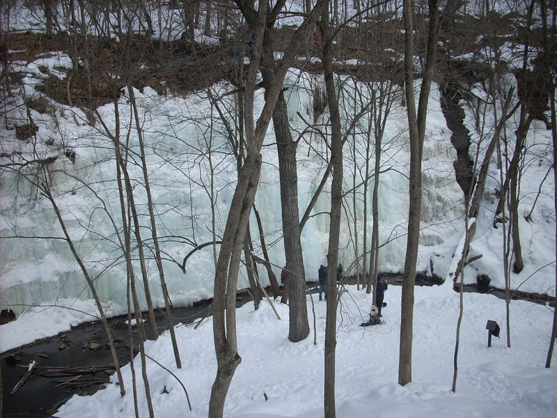 A picture of the the terraced climbing on Feb. 27, 2010. The falls has not frozen, and is just out left of the picture. The climbs, if divided in quarters L to R, are easy, medium, hard, hard -, with nothing over WI3 from my understanding