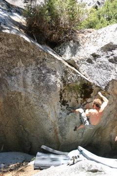 Rock Climbing Photo: Trim the bush V6