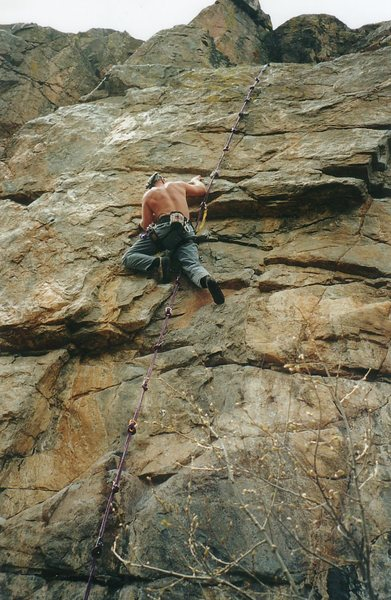 JVonD rocking a self-belay knot system. Super classic 5.10.<br> &quot;Got to do what you got to do....&quot;