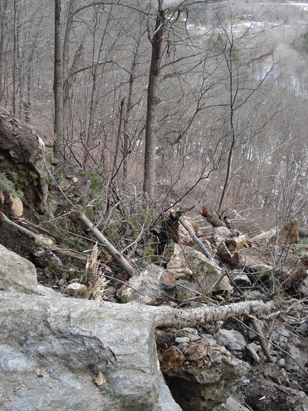 Rock Climbing Photo: the view down the trail from near underdog...