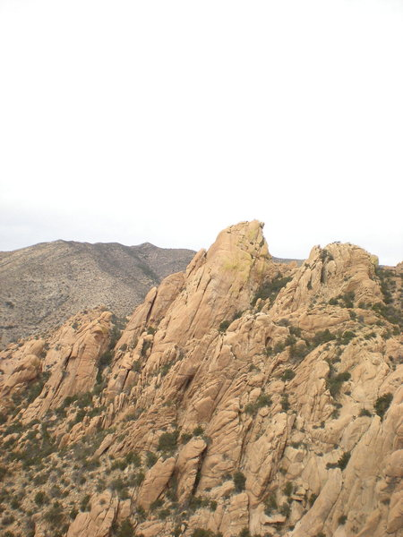 This is Dreamscape Buttress as seen from Squaretop--maybe someone could draw in the line?