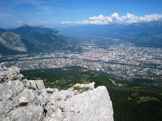 Rock Climbing Photo: Grenoble from Les Trois Pucelles