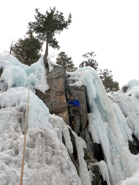 Doug climbs unknown mixed crack at the very south end of South Park.  Anyone know the route name?