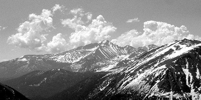 Longs Peak.<br> Photo by Blitzo.