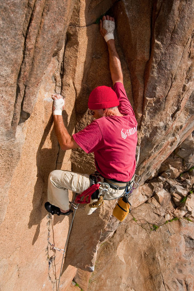 Rock Climbing Photo: Oscar Olea leading The Ramp, Mission Gorge.