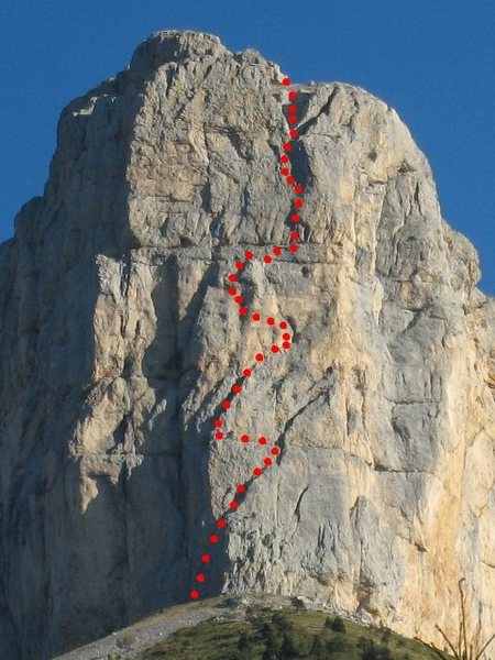 Sud Pilier of Mont Aiguille approximate line of route shown