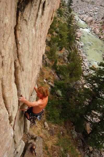 Rock Climbing Photo: Exiting the otter's tooth rest and entering the de...
