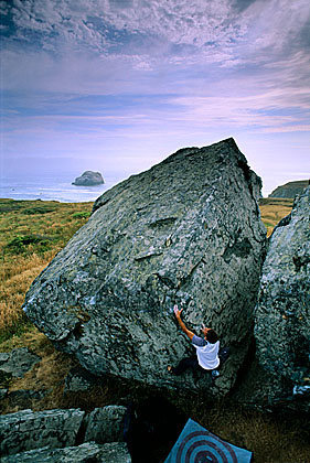 Rock Climbing Photo: Kevin Jorgeson at Sunset Rocks, Sonoma Coast