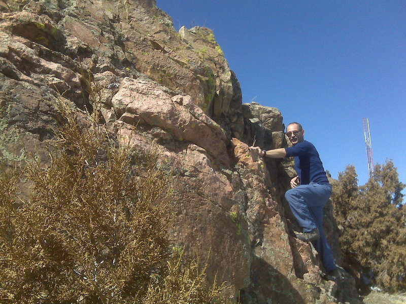 Rock Climbing Photo: Scramblin' one handed on Mt Morrison
