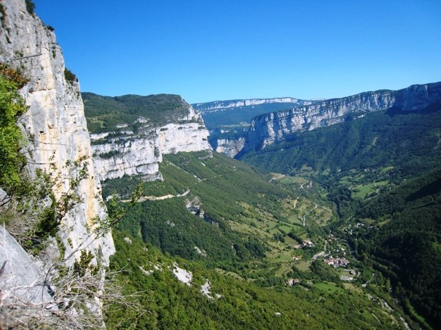 Rock Climbing Photo: Presles from Les Buis looking down at Choranche an...