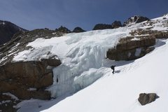 Rock Climbing Photo: In 2010 March, deep snow reduced this route to a 6...