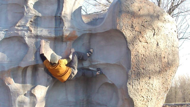 Rock Climbing Photo: lay low V2/3