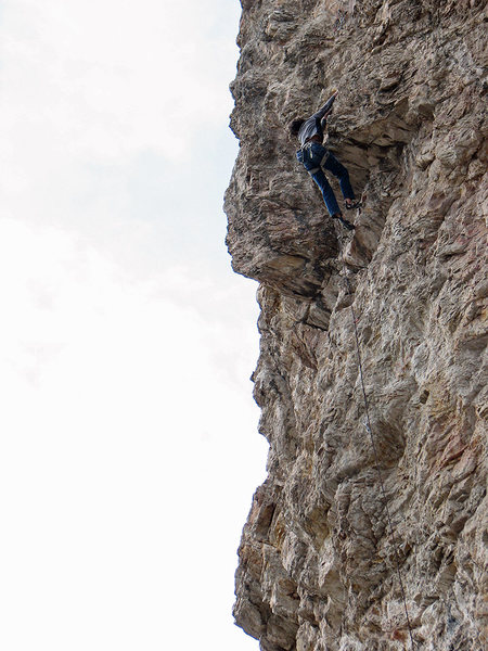 Andy Knight at the awkward, finishing roof of <em>Jodonna</em>.<br> <br> Feb.