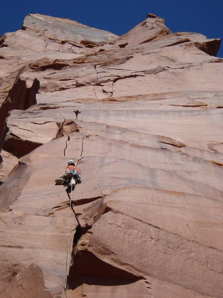 Pleasant crack climbing above th OW on Pitch 1