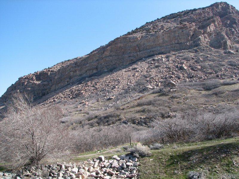 Rock Climbing Photo: Schoolroom from 27th street trail head