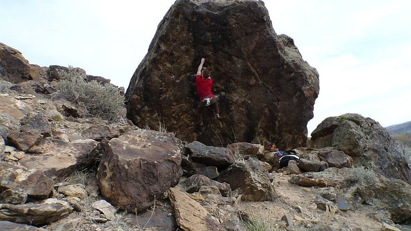 Rock Climbing Photo: Unknown V5- pic number four.