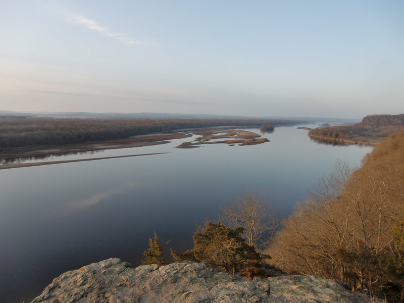 Rock Climbing Photo: View from Cactus Bluff looking downstream (west).