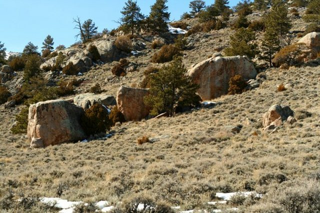 Rock Climbing Photo: surrounding boulders in the Aerolith Boulder valle...