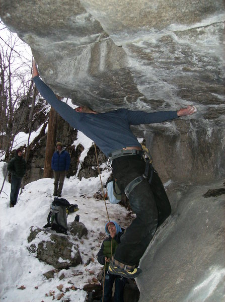 Rock Climbing Photo: Coming out of the alcove