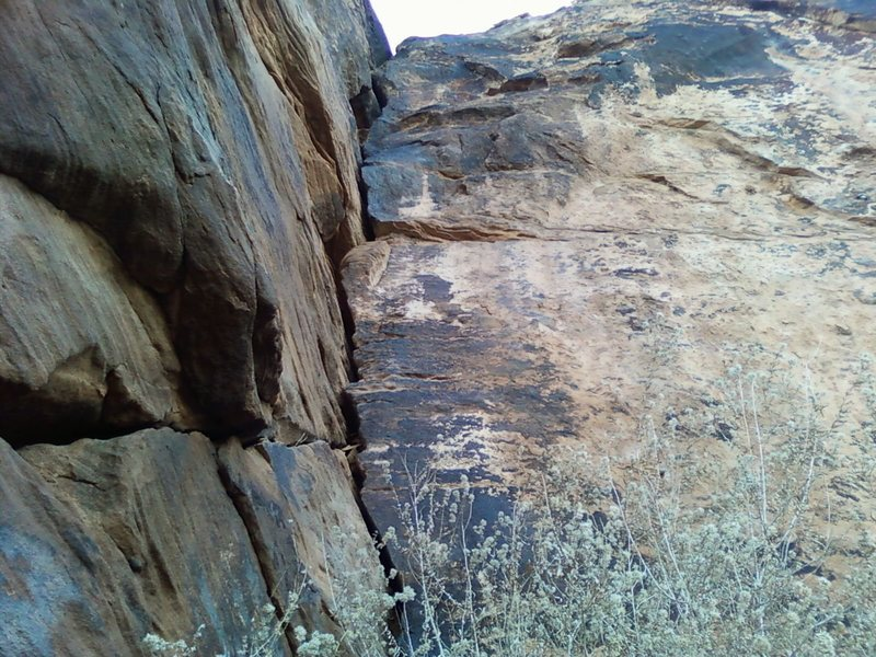 Rock Climbing Photo: Lincolns' Lament goes up the dihedral behind the b...
