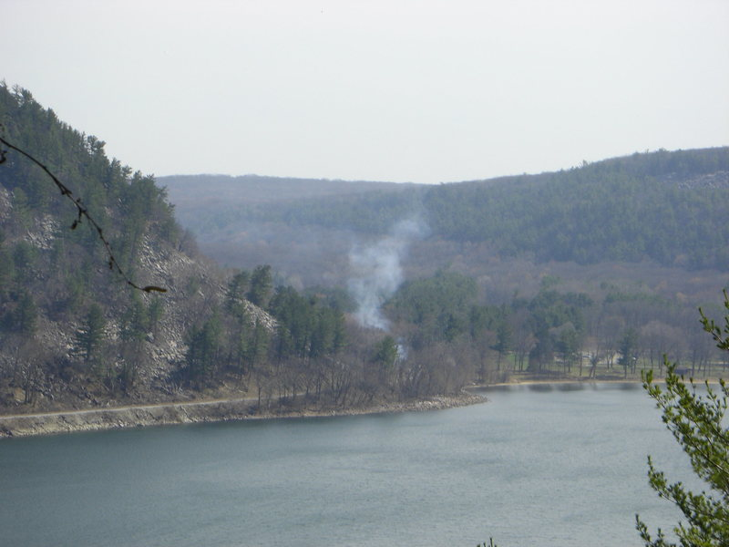 Rock Climbing Photo: Small fire that started somewhere near the South S...