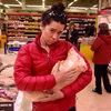 Poor PIGGY!!!!  aaaaahhhh......at the market in Spain.