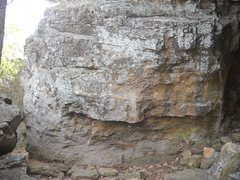 Rock Climbing Photo: This scrappy little boulder has 3 or 4 routes with...