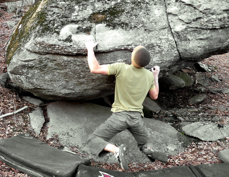 """Aaron Parlier on """"Down Tempo"""" on the Tempo Boulder, Left Boneyard, GHSP."""