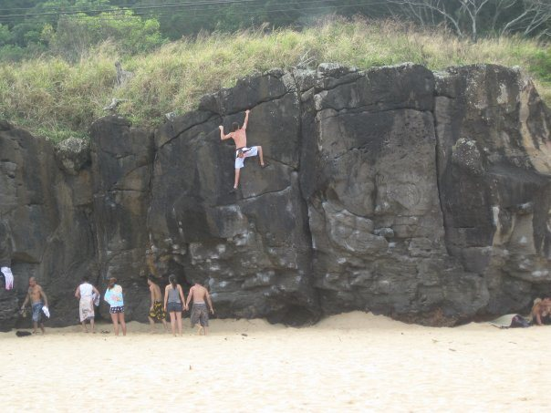 Bouldering at Waimea. No pad necessary