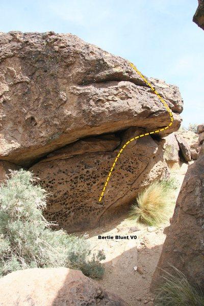 Rock Climbing Photo: Norwegian Blue Boulder North Face Topo