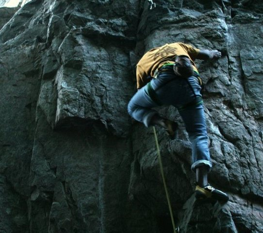 """Collin on """"Carboboy"""" 5.10c"""