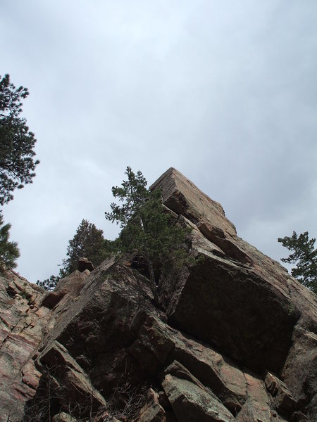 Rock Climbing Photo: Route starts in the corner on the right, heads lef...